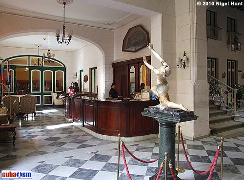 Hotel Florida Facade